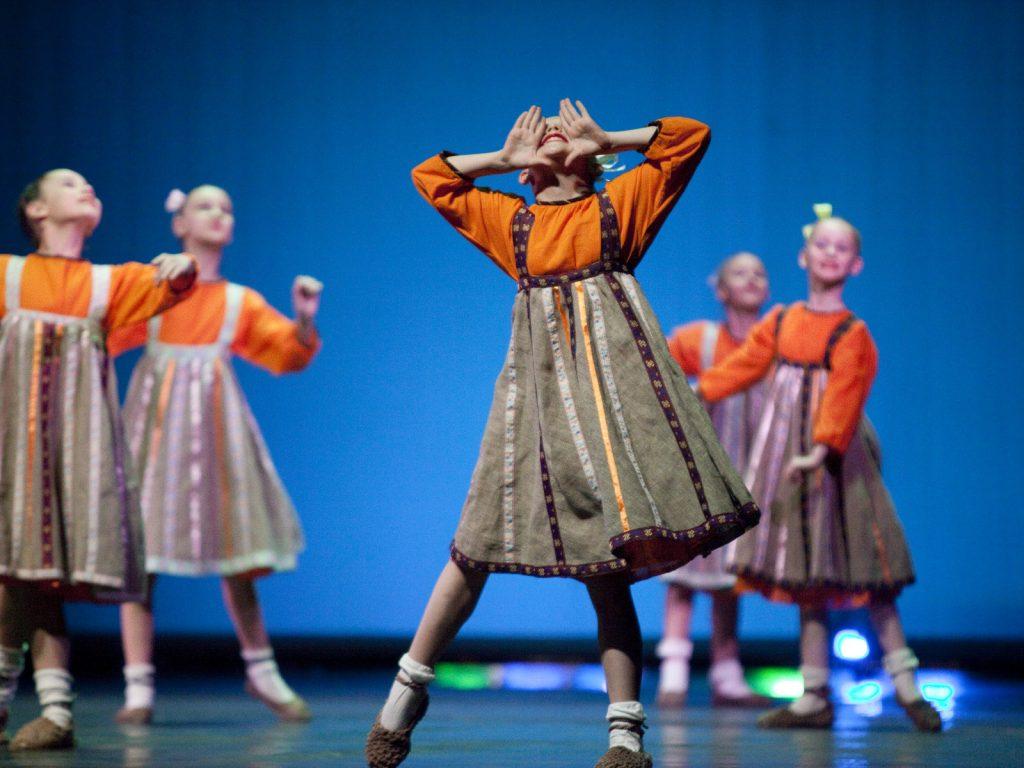Ballet-helps-japan_002