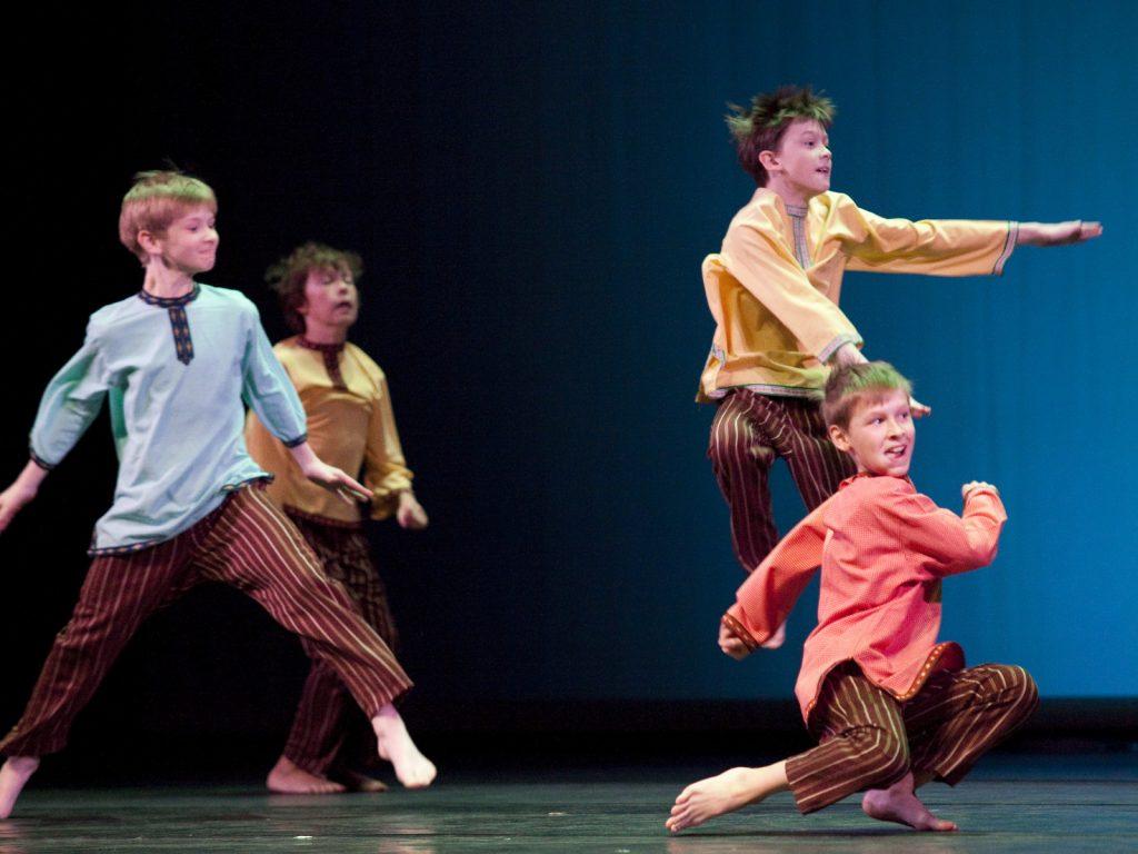 Ballet-helps-japan_003