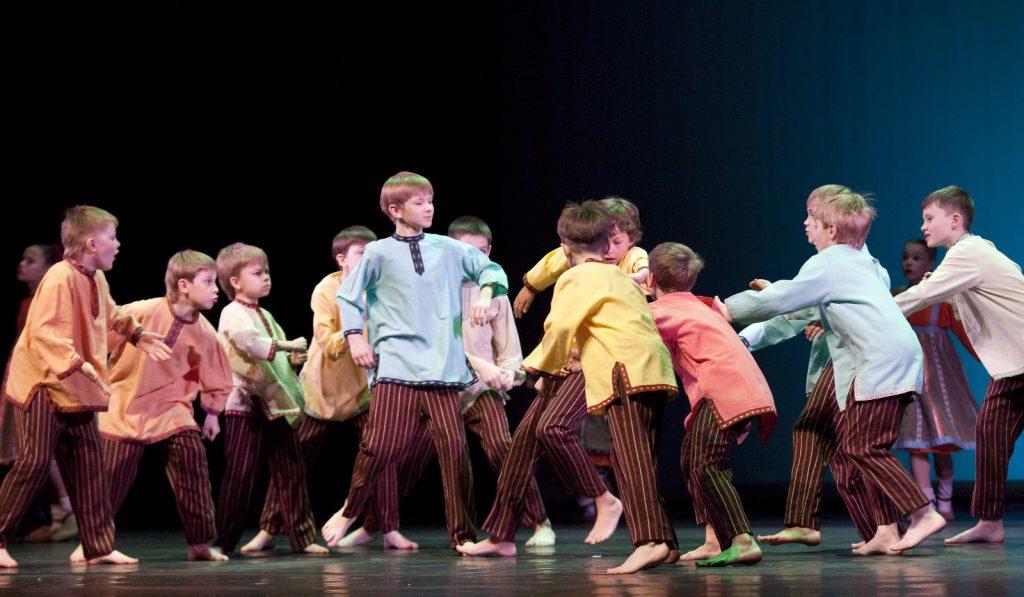 Ballet-helps-japan_004