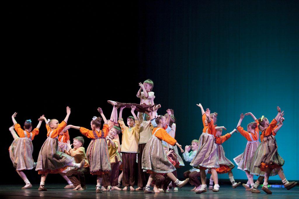 Ballet-helps-japan_005