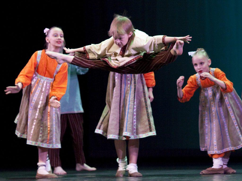 Ballet-helps-japan_007