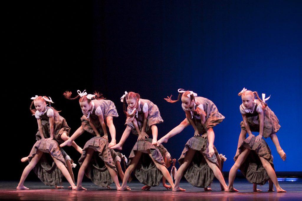 Ballet-helps-japan_010