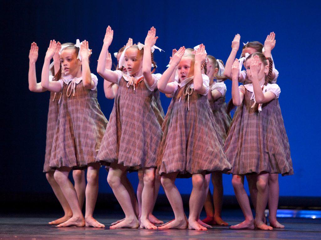 Ballet-helps-japan_012