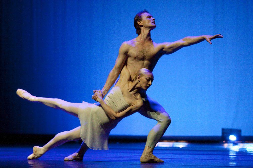 Ballet-helps-japan_016