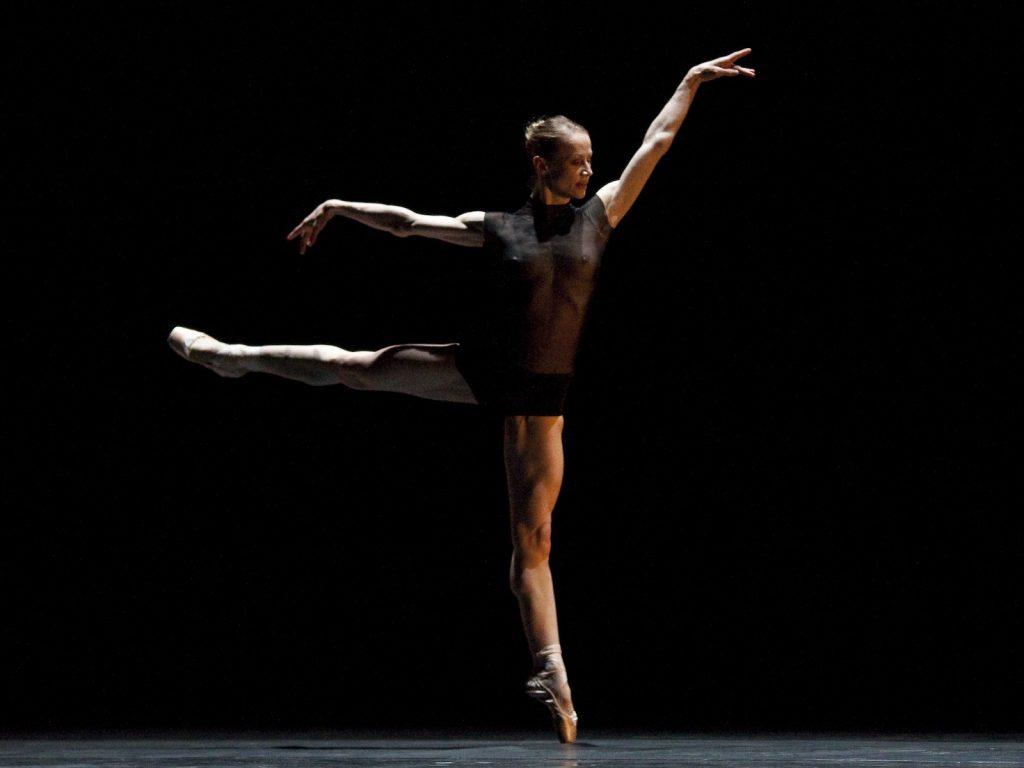 Ballet-helps-japan_020