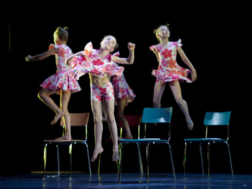 Ballet-helps-japan_036
