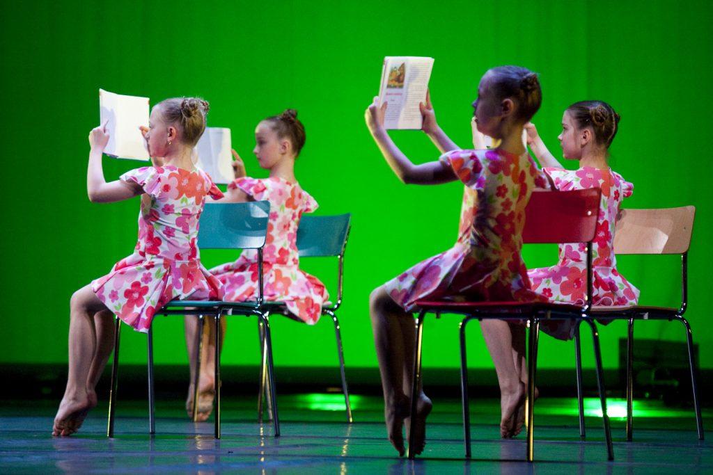 Ballet-helps-japan_037