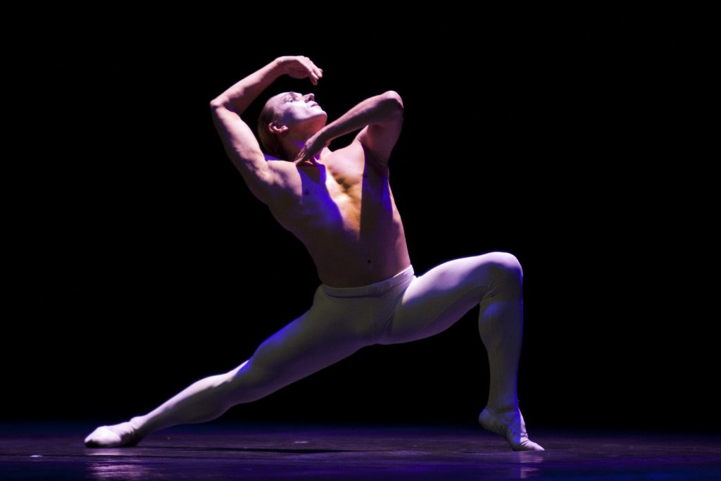 Ballet-helps-japan_042