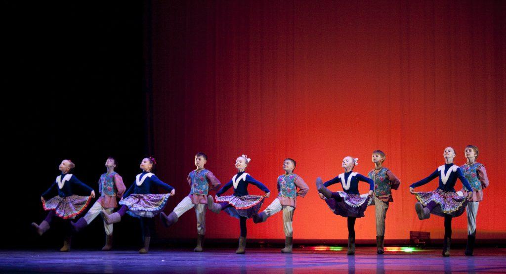 Ballet-helps-japan_043