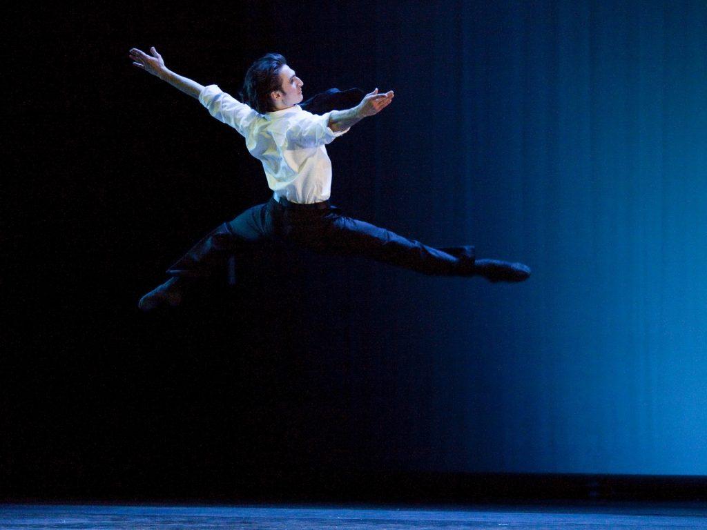 Ballet-helps-japan_053