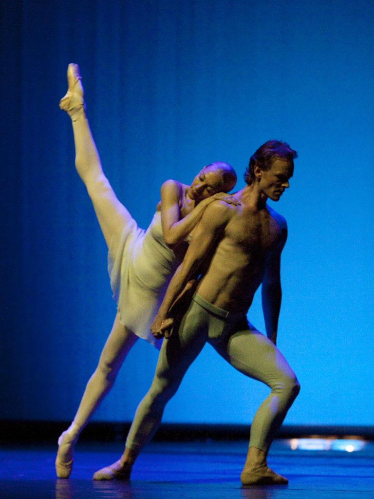 Ballet-helps-japan_074