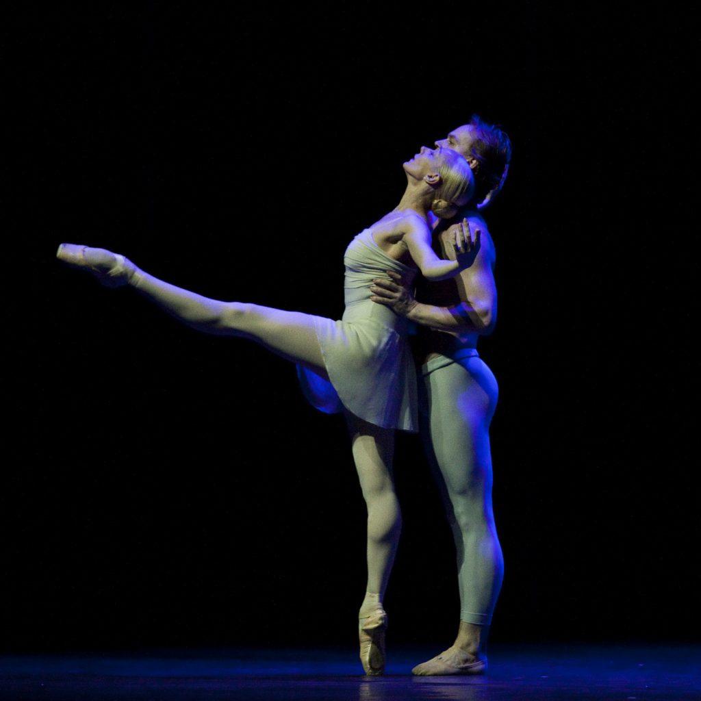 Ballet-helps-japan_075