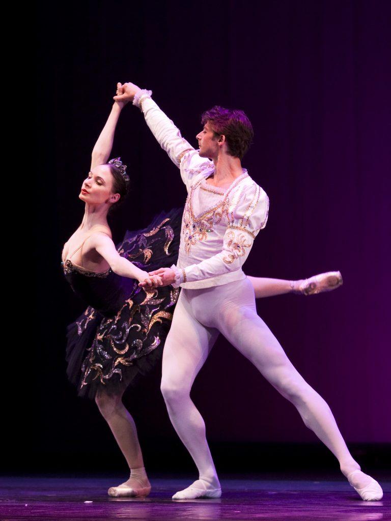 Ballet-helps-japan_076