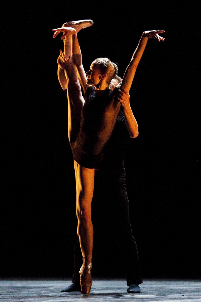 Ballet-helps-japan_077