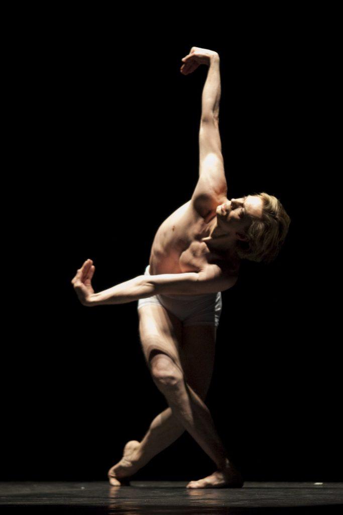 Ballet-helps-japan_083