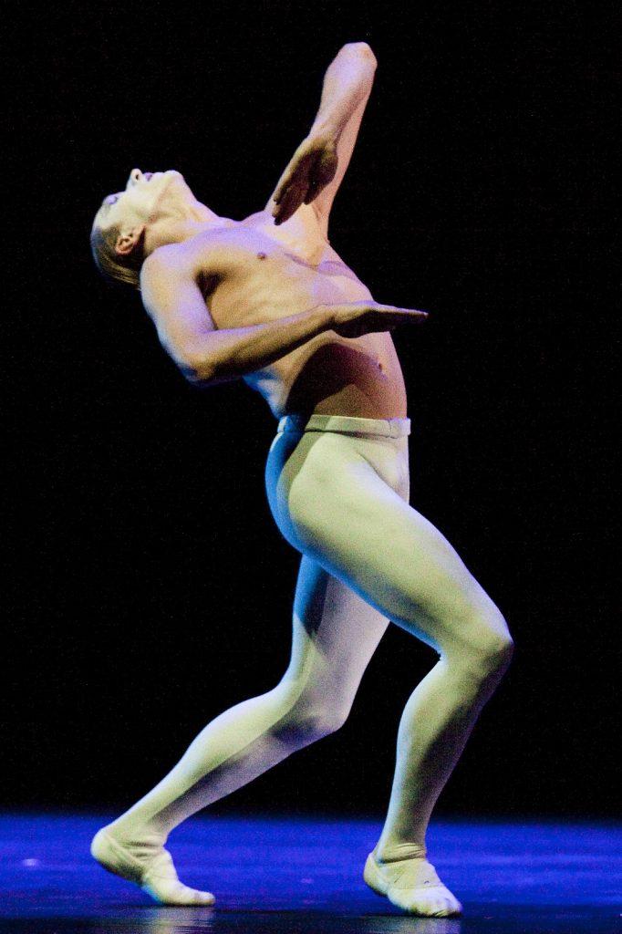 Ballet-helps-japan_095