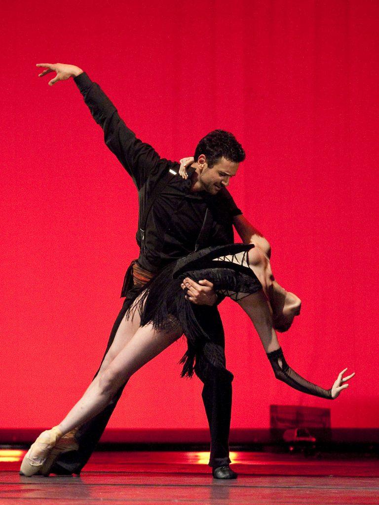 Ballet-helps-japan_110