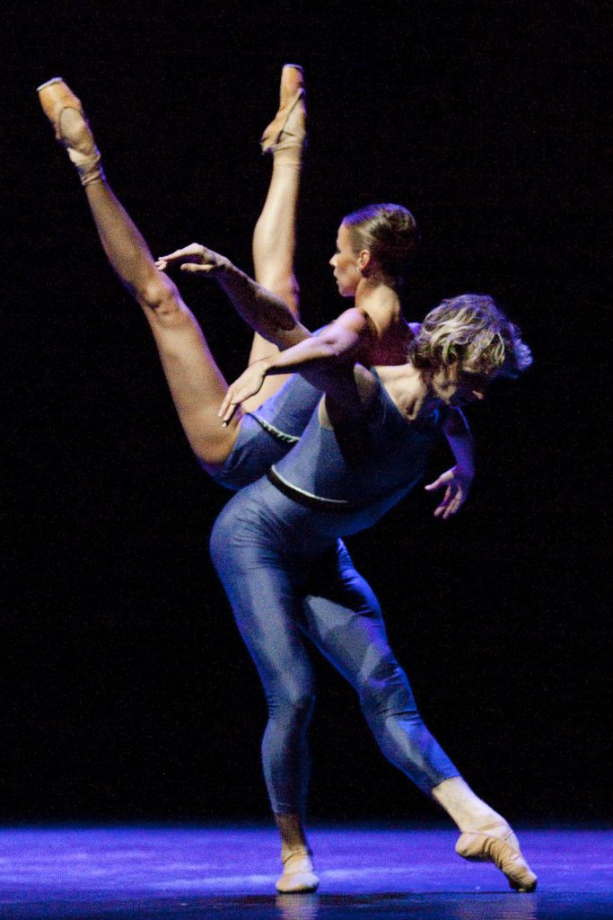 Ballet-helps-japan_121