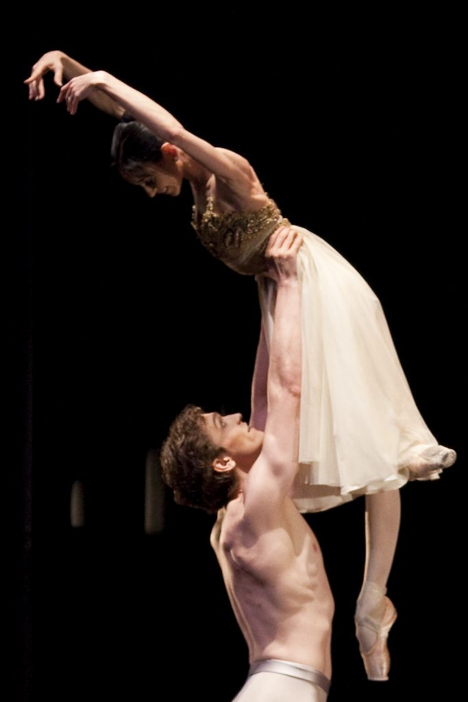 Ballet-helps-japan_126