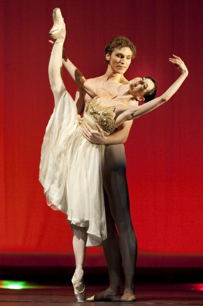 Ballet-helps-japan_127