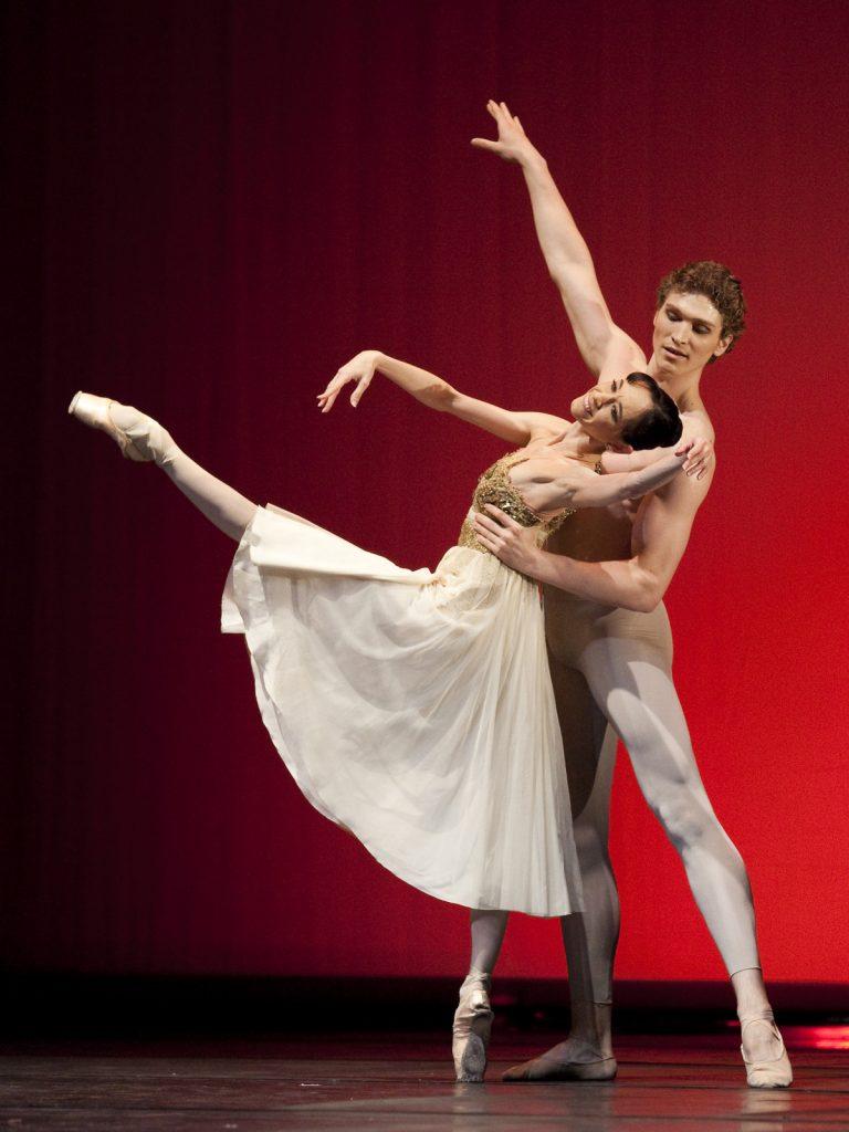 Ballet-helps-japan_128