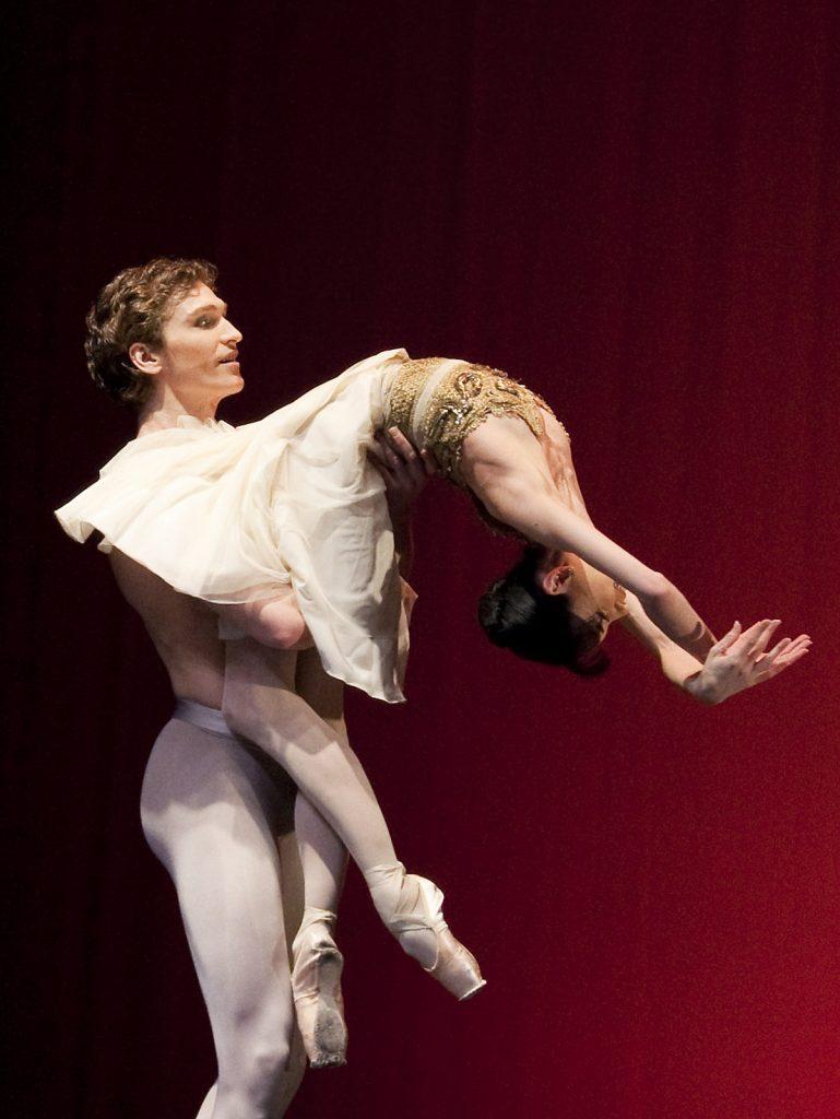 Ballet-helps-japan_129