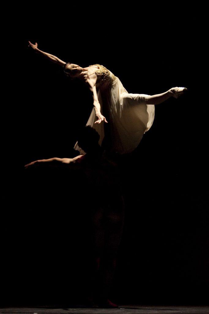 Ballet-helps-japan_130
