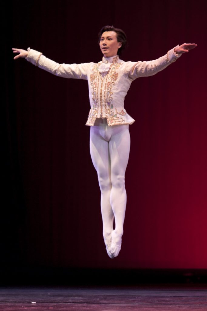 Ballet-helps-japan_140