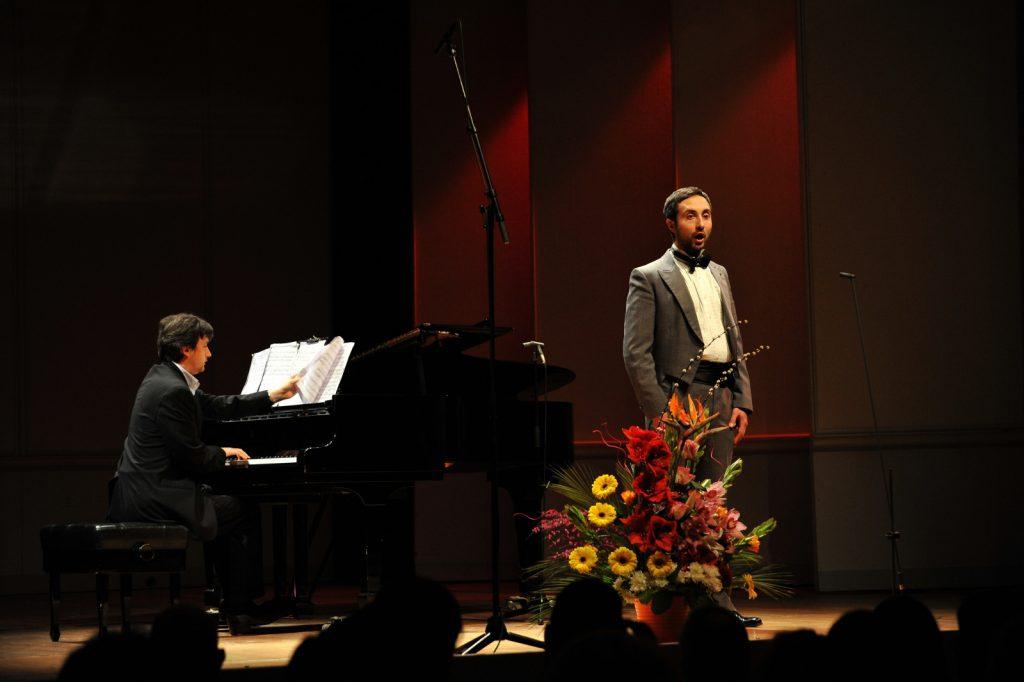 Josef R. Drechny, Bass-baritone. Sorin Creciun, Piano.